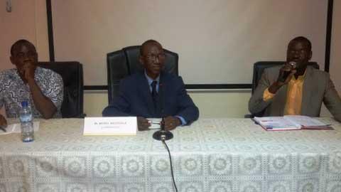 JCI-Ziniaré: A l'école du Pr Michel Akotionga sur le cancer du col de l'utérus