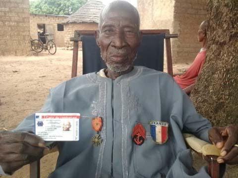 Pension d'anciens Tirailleurs sénégalais: Le vieux  Kamon Soulama a reçu sa carte militaire