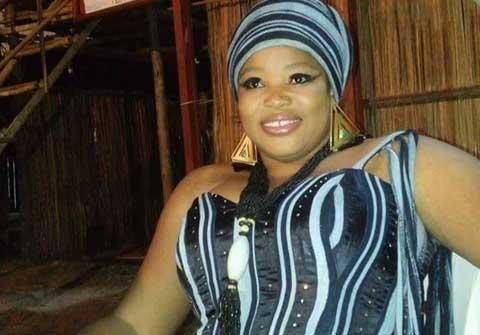 Awa Sissao, artiste musicienne burkinabè: «Ce sont les journalistes qui doivent nous laver le dos»