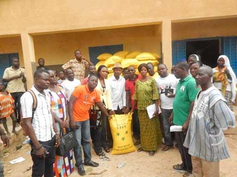 Le CCNOSC a donné 150 sacs de riz aux sinistrés de Bissighin