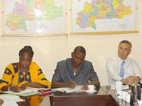 Session du comité de pilotage du Projet Une Lampe pour l'Afrique: Satisfaction et encouragements des partenaires
