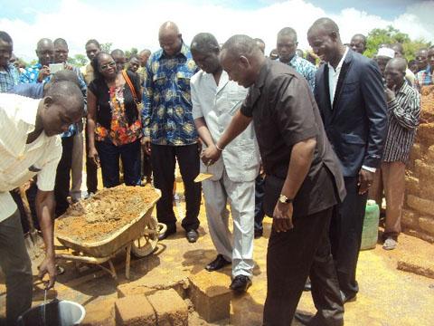 Filière bétail du Nord: La PCESA offre un parc de vaccination à Rékba