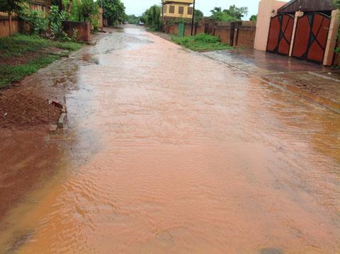 Coup de gueule: La nouvelle rue du Président Kafando inondée après chaque pluie