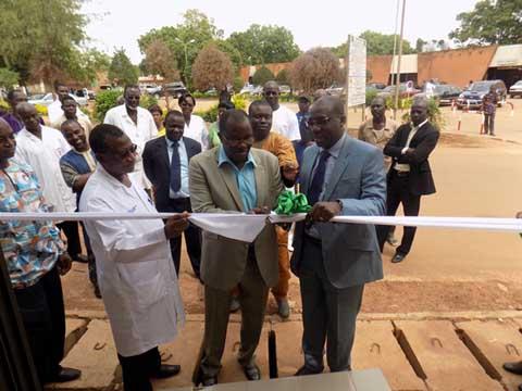 Hopital Yalgado Ouédraogo: La BOA inaugure son distributeur automatique de billets