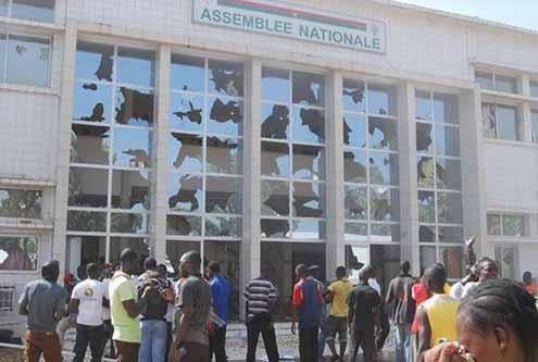 Burkina: La situation politique et la théorie du mort-kilomètre