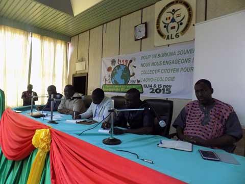 Forum sur l'agro-écologie: Impliquer le politique dans la lutte contre les OGM
