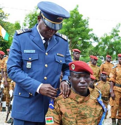 Sortie de promotion: 84 sous-officiers «avec le commandement et le peuple»