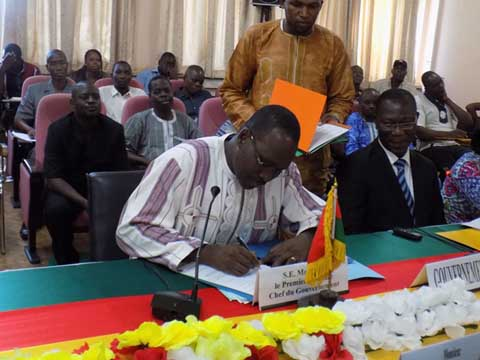 Rencontre gouvernement syndicat burkina 2013