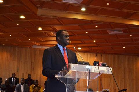 Transition politique au Burkina: Michel Kafando réinstallé par ses pairs
