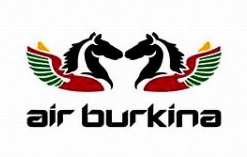 Communiqué d'Air  Burkina: «Compte tenu de la situation politique nationale , l'aéroport de Ouagadougou étant  fermé jusqu'à nouvel ordre,  par conséquent tous les vols d'Air Burkina sont  annulés aujourd'hui   mardi 29   et demain mercredi  30 septembre et  jusqu'à NOUVEL ORDRE».