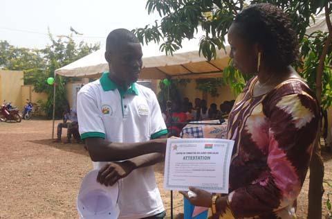 Formation d'aides familiales: 50 pensionnaires sur le marché de l'emploi