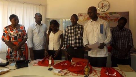 Don de kits scolaires: RMO JOB CENTER apporte son soutien aux travailleurs journaliers