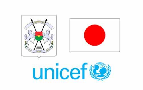 Renforcement de la résilience dans le Sahel: Le ministre de l'Education nationale, l'ambassadeur du Japon et l'UNICEF effectuent une visite conjointe