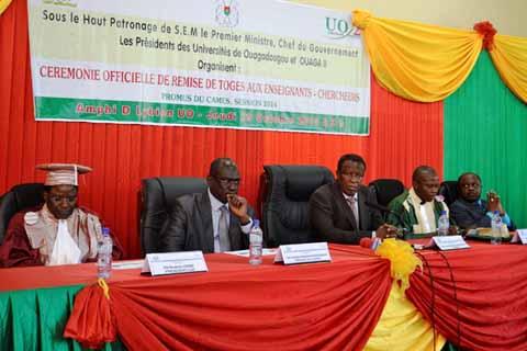 Université de Ouagadougou et de Ouaga 2: 50 enseignants chercheurs et enseignants hospitalo-universitaires reçoivent leurs toges