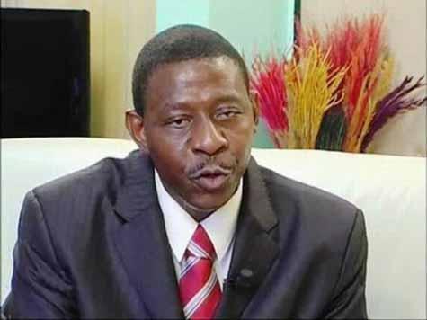 Alain Edouard Traoré, le dernier ministre de la communication de Blaise Compaoré a été arrêté et transféré à la MACO pour malversations à la RTB dans le cadre des enquêtes de la Haute Cour de Justice.