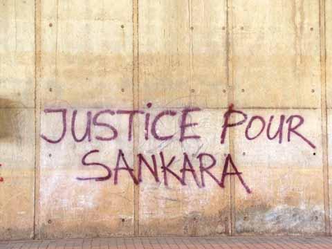 An1 de l'Insurrection: Les  Graffitis, l'autre forme de lutte sur les murs de la capitale