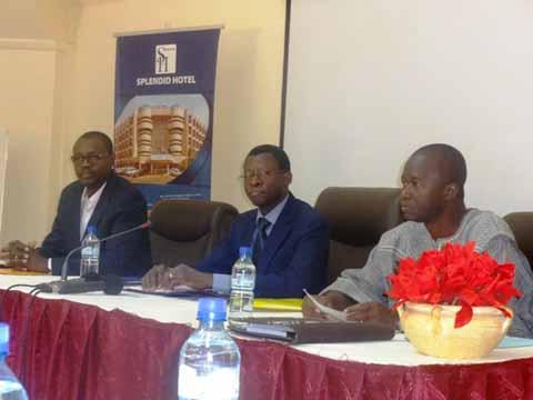Enjeux des questions de population et développement au Burkina Faso: Faire des communicateurs des ambassadeurs