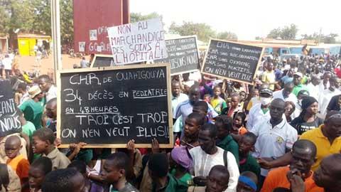 Situation au CHR, à la SONABEL, à l' ONEA: Les populations expriment leur ras-le bol dans les rues de Ouahigouya