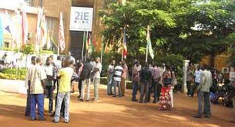 Crise à 2IE: «Quinze membres du personnel ont été licenciés», selon le représentant des délégués