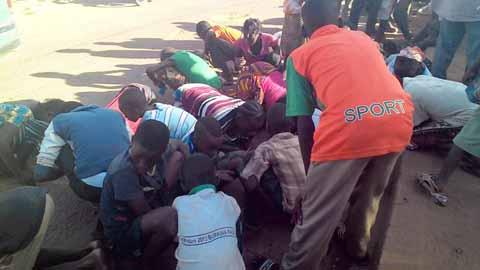 Ouagadougou: Des jeunes se ruent sur du sable qui contiendrait de l'or