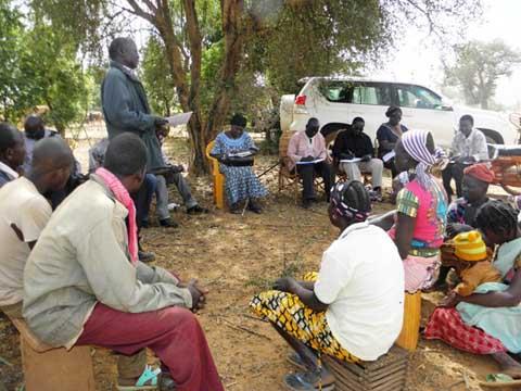 Alimentation du bétail: Visite de terrain d'une mission du PUAAB auprès de bénéficiaires de broyeurs