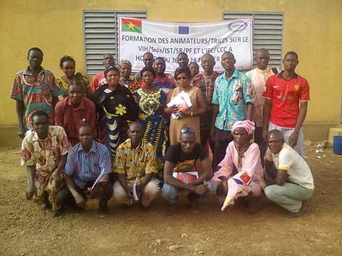 Mesures d'accompagnement des travaux de renforcement de la RN°1: axe Ouaga-bobo. ASEC-Burkina sensibilise sur les IST/VIH/Sida et les grossesses non désirées