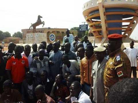 Les jeunes de Bobo-Dioulasso et les décorations: Salifou Dembélé promet de trouver une solution