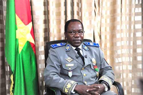"""Général Pingrenoma Zagré: """"Que les forces armées s'en tiennent à leur place"""""""