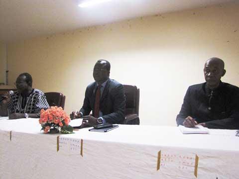 Transcription et écriture des Langues frontalières: Ouagadougou comme…  feuille de route