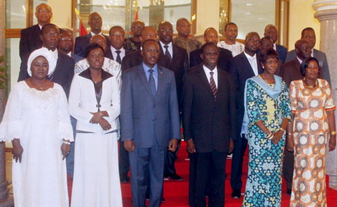 Les membres du Gouvernement de la Transition, chargés d'expédier les affaires courantes jusqu'à la mise en place de la nouvelle équipe dirigeante