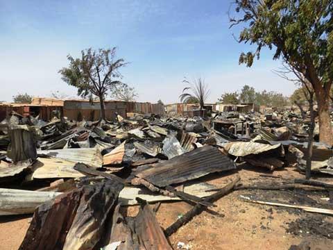 Ouagadougou: Une trentaine de hangars partis en fumée à Boins-Yaar