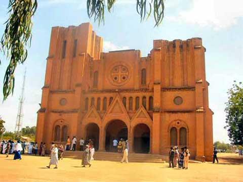 Eglise du Burkina: Mise au point relative au  «Pain du Vatican» et à Monsieur Christian BOGLO