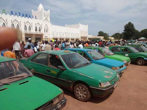 Interdiction de l'utilisation du gaz butane dans les taxis: Les conducteurs du Houet exigent des explications du président de leur fédération