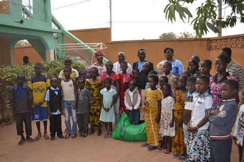Enfants vulnérables: L'association les Anges de la Solidarité et de la Paix a fait un don de vivres