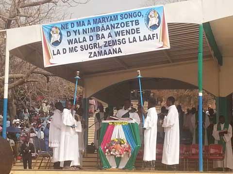 Pèlerinage diocésain à Ouagadougou: Les fidèles catholiques ont prié pour une paix durable au Burkina Faso