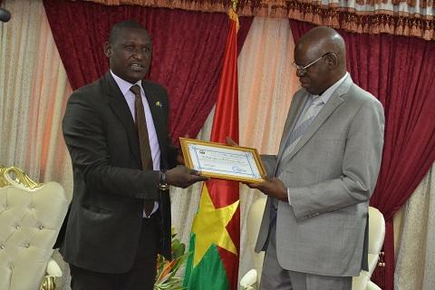 Démocratie: Salifou Diallo reçoit le «prix d'excellence africaine 2015»