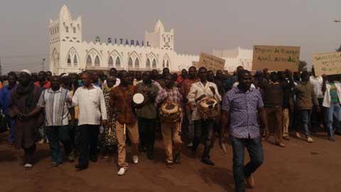 Bobo-Dioulasso: Les populations de Samendéni ont marché contre la mise en eau de leur barrage