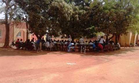 Bobo-Dioulasso: Une partie du personnel du Centre Muraz s'oppose au licenciement d'un agent
