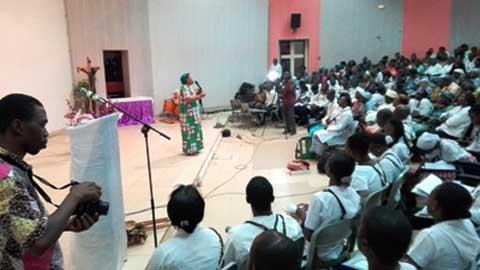 Le mouvement «les Valets de Marie» avance au large au Burkina