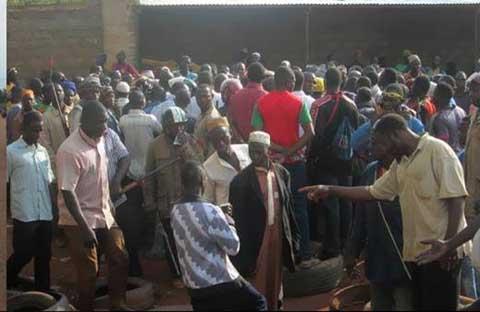 Fada: Face à face tendu entre manifestants pro-Koglweogo et Forces de défense et de sécurité