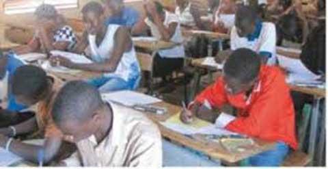 Recrutement d'enseignants pour le post- primaire: Relever la limite d'âge à 40 ans