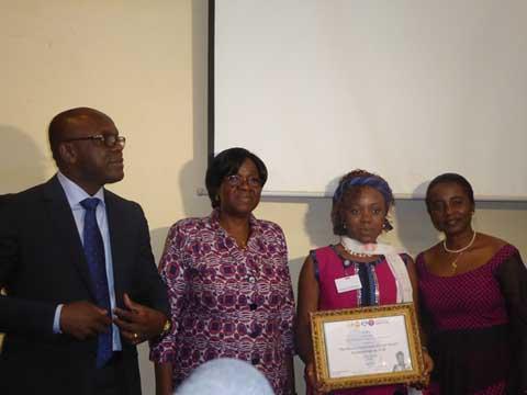 Lutte contre les mutilations génitales féminines: Céline Elola remporte le  prix Efua Dorkenoo