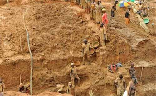 Mines: 320 autorisations d'exploitation artisanale d'or annulées