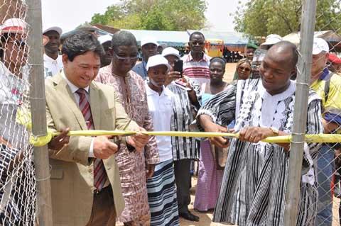 Centre de santé de Bagassi: Roxgold offre une station photovoltaïque et une salle d'hospitalisation