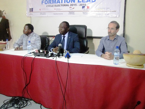 Gestion des conflits électoraux: Journalistes et personnel de la CENI à la même école