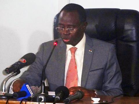 Concours de la fonction publique: Le ministre annonce environ 25 000 postes
