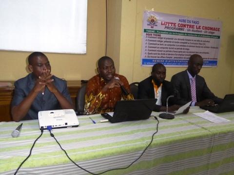 Insertion professionnelle des jeunes: Aube du Faso appuie les étudiants