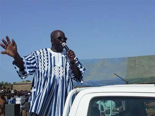 Simon Compaoré invite les Koglwéogo de Sapouy à la discipline et au respect des lois de la République