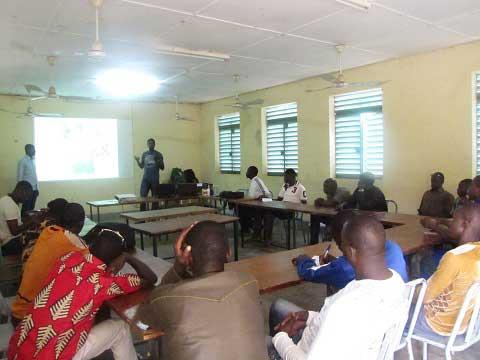 Utilisation d'intrants agricoles: Pour la santé de l'homme et la protection de l'environnement, YAMSYS forme à Léo