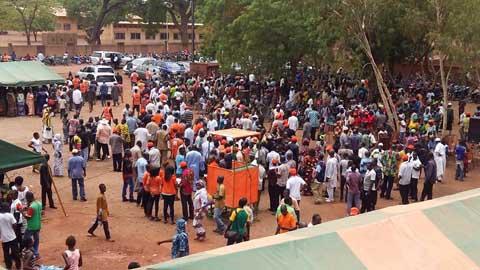Le Mouvement du Peuple pour le Progrès (MPP) pour la non-violence pendant les élections